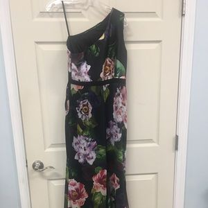 Adrianna Papell gown Never worn tags still on.